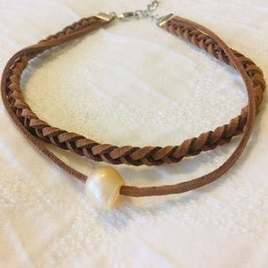 Jewelry - Choker Necklace Braided Leather and Pearl